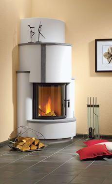 Ein Kamin spendet Wärme und schönes Licht. Mit einem Kaminofen-Bausatz holt man sich die wohlige Wärme schnell in sein Zuhause. #bauen #heimwerken