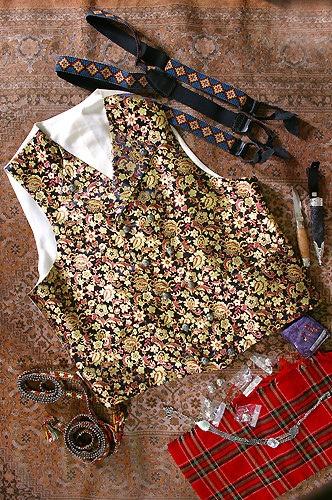 Silkebrokade vest til Gudbransdalbunad by Bunad_for_menn, via Flickr