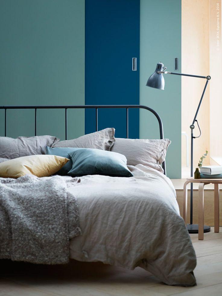 KOPARDAL sängstommeär inspirerad av klassisk möbeltillverkning och byggd med en stabil