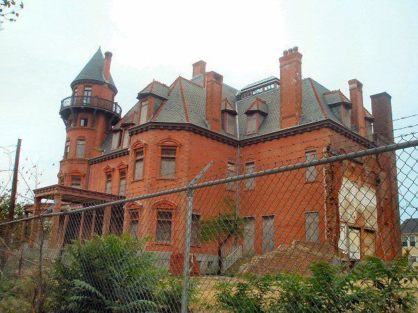 Krueger Scott Mansion Newark Nj From The Outside Victorian Exteriors Pinterest