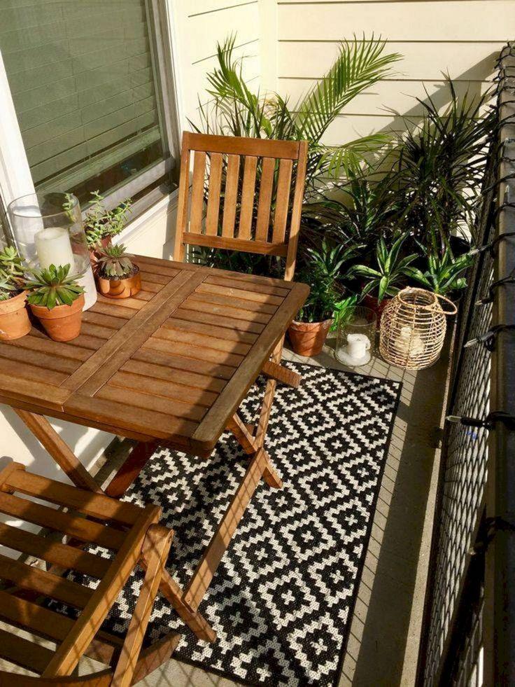 15+ Unglaubliche kleine Wohnung Balkon Design Super Wintersaison