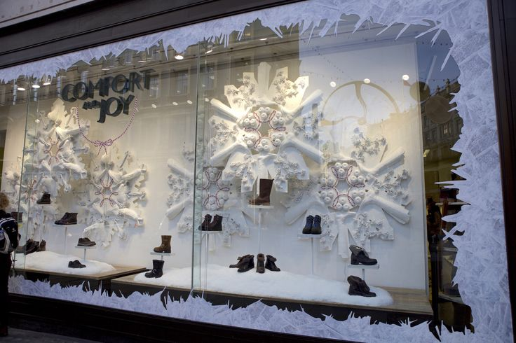 Find the shoe with the perfect fit this #Christmas @Clarksshoesuk on #RegentStreet.