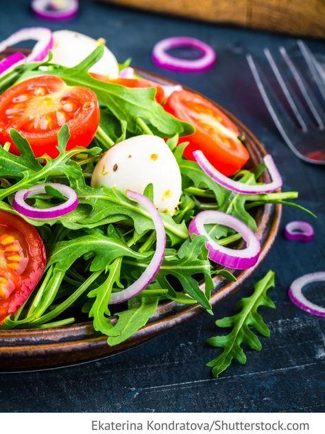 best 25 tomaten mozzarella salat ideas on pinterest tomaten mozzarella salat kalte. Black Bedroom Furniture Sets. Home Design Ideas