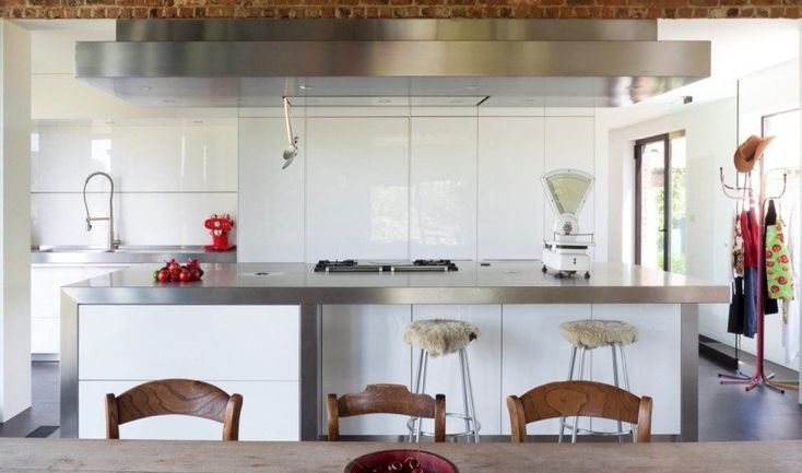 Located in an agricultural area not far from Brussels, Belgium, this typical farmhouse was converted by Studio Farris into a modern and comfortable family home. As the owners are...