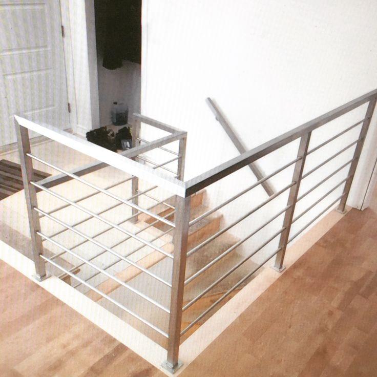Rampe et garde-corps en acier inoxydable   Stainless steel railing and railing
