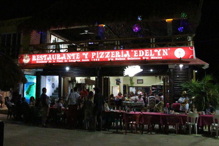 Especialidad: Pizza de langosta.
