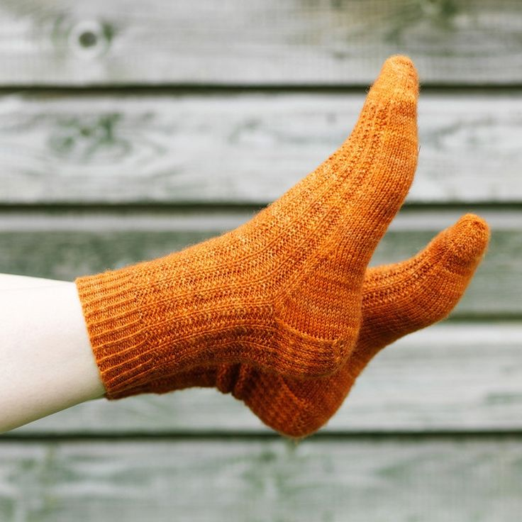 A simple, one at a time, top down, heel flap construction sock pattern. Easy understated pattern, great for variegated yarns. Yarn: Hedgehog Fibres...