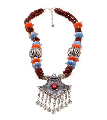 Add this meticulously handcrafted Stone/Beaded necklace to your accessories collection. This one's sure to be the highlight of your Saturday night ensemble. With different shaped stones and beads, the accessory is perfect for a casual hang out with friends. Wear this vibrant piece with your regular casuals for easy everyday chic. Go funky with this multi-colored stones necklace.