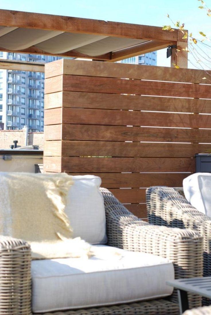 holzpaneele trennen bereiche und schtzen die privatsphre - Moderne Dachterrasse Unterhaltungsmoglichkeiten