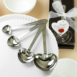 Heart shaped measuring spoons: Gift, Wedding Favors, Spoons Favors, Heart Shape, Shape Measuring, Parties Favors, Measuring Spoons, Favors Ideas, Bridal Shower Favors