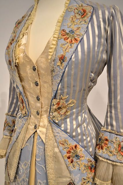 Beautiful fabrics and detailing.  Portrait of a Lady  Blue 1880s bodice:  http://jenneliserose.blogspot.com/2011/09/movie-costumes.html: Gowns, Jackets, Victorian Fashion, Victorian Dresses, The Prestige, Portraits, Movie Costumes, Steampunk, Vintage Clothing