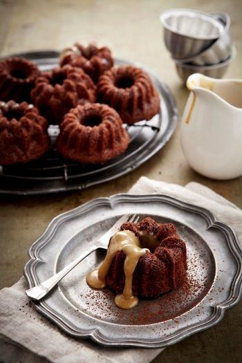 Coffee Chocolate Bundt Cakes & White Chocolate Coffee Sauce