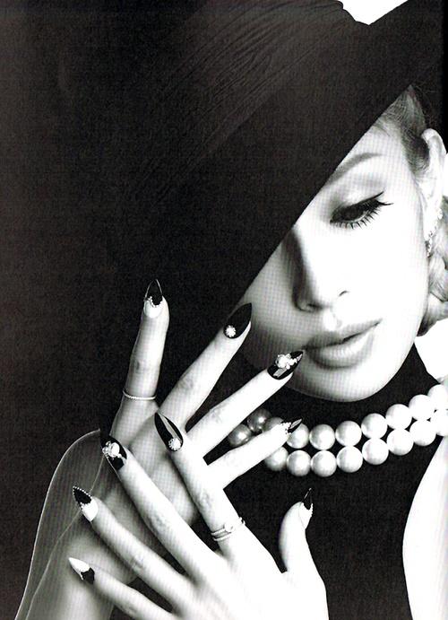 ayumi hamasaki - ayu heart nail book - black & white