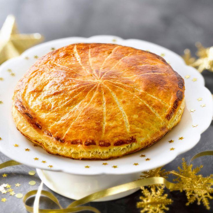 Découvrez la recette Galette des rois aux pommes sur cuisineactuelle.fr.
