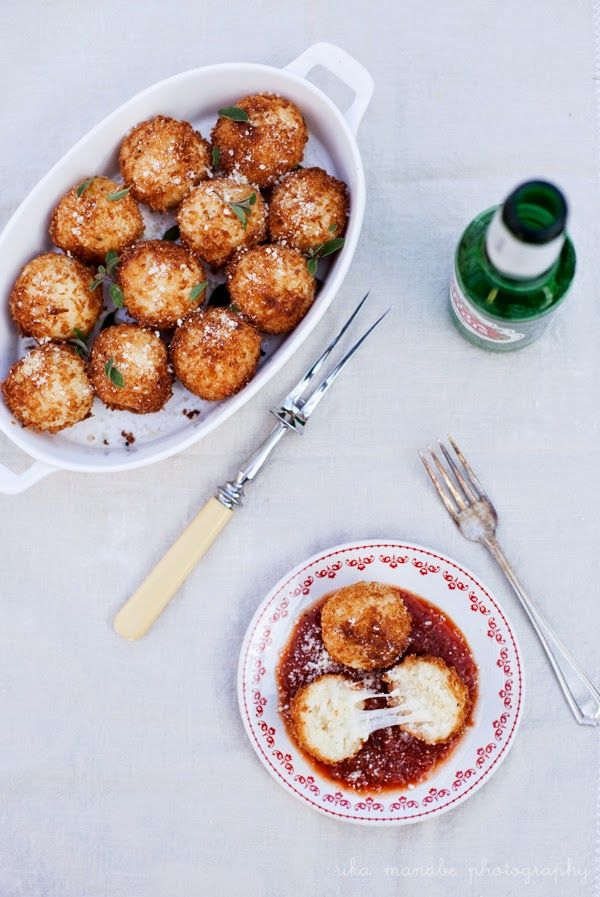 Bella Bonito: Arancini and it's Party TIme!// 2 cups full-fat coconut milk  2 cups Chobani non-fat plain yogurt 1 envelope gelatin (about a tablespoon) 2 tablespoons cold water 1/2 cup sugar half a stick of vanilla bean  a small lemon zested  (optional) pomegranate seeds raspberries chia seeds soaked in apple juice