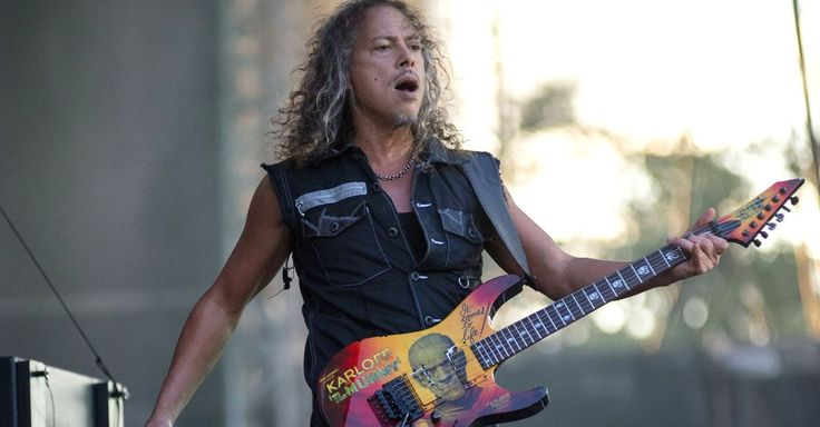Metallica guitarist Kirk Hammett has lost an iPhone with hundreds of riffs recorded onto it.