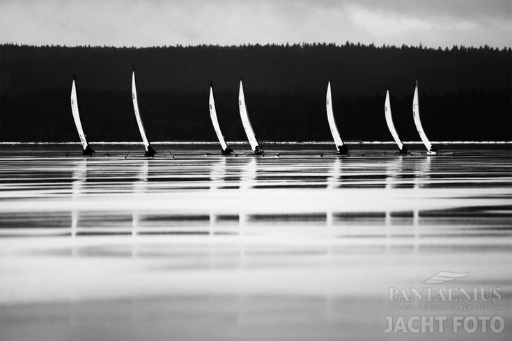 Ostatniego dnia targów Wiatr i Woda w Warszawie ogłoszono Laureatów III edycji konkursu fotograficznego Pantaenius Jacht Foto. Pięcioosobowe Jury wybrało 32 finałowe fotografie, wśród których znalazło się pięć nagrodzonych prac.