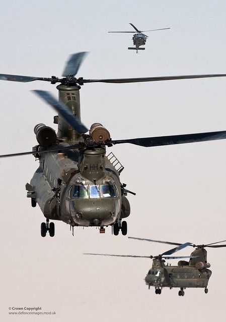 RAF Chinook Helicopters Take Off on a Mission Over Helmand, Afghanistan | Flickr - Photo Sharing!