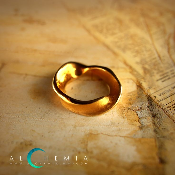 The Ribbon ring. Gilded silver, satin cover. Handmade by Alchemia Jewellery.