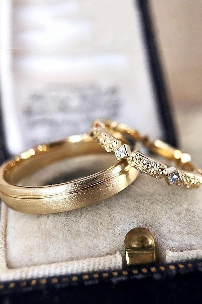 21 Vintage Wedding Bands For Sophisticated Brides Vintage Wedding Band Vintage Wedding Band Yellow Gold Boho Wedding Ring