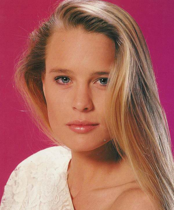 Robin Wright - she caught my eye in Santa Barbara, the soap opera. Most know her as Princess Buttercup from The Princess Bride, but I remember her as Kelly. I loved her hair and her character.  Just a lovely lady.