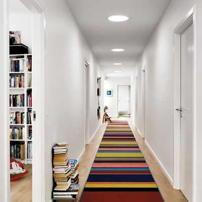 Pasillo largo y alfombra multicolor. Descubre ideas, inspírate con #habitissimo