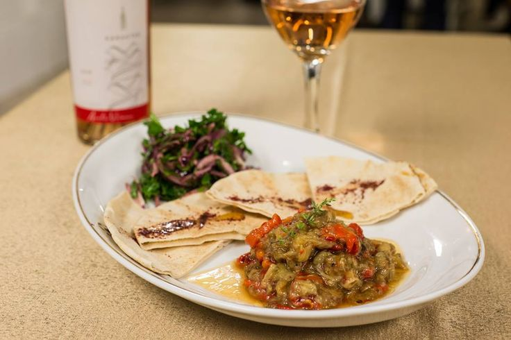 Wine, food pairing, Lebanese food.