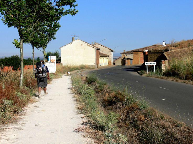 Reliegos, León, Camino de Santiago