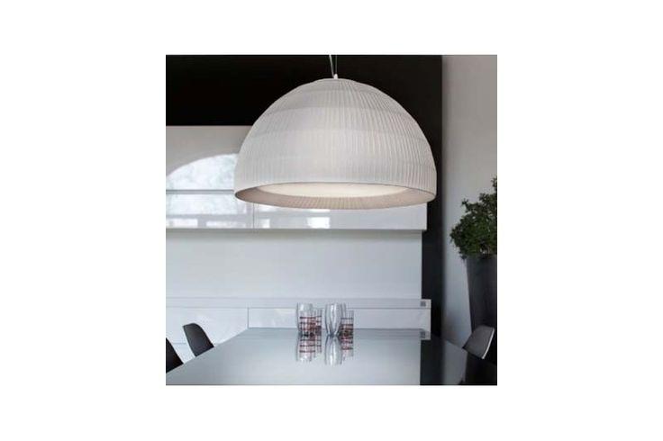 Lampă pendul cu abajur amplu din colecția Modern by Atas Lighting.