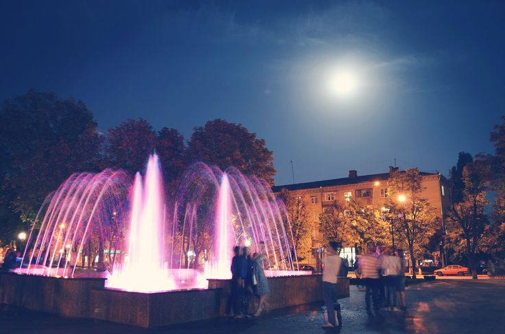 Сквер Бабаева. День города.