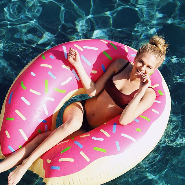 Our gigantic Donut Floatie comes with delicious strawberry frosting and colorful sprinkles, try not to take a bite out of this float! Features: - High quality extra thick fabric - Tasty strawberry fro