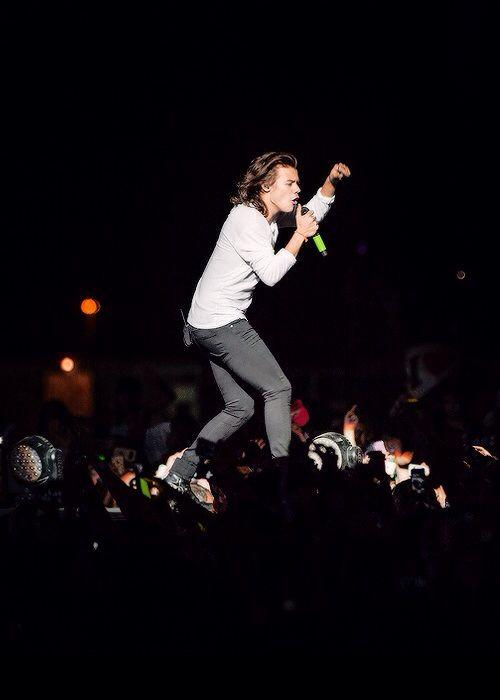 Harry Styles, HOT, HOT, BEAUTIFULLY HOT