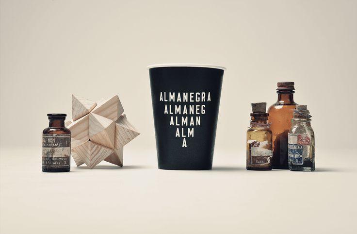 Almanegra在Behance