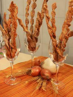 Esta receta de grisines es sumamente fácil de hacer. Son muy sabrosos y se los puede acompañar con algún paté vegetal . Tienen mucha aceptac...