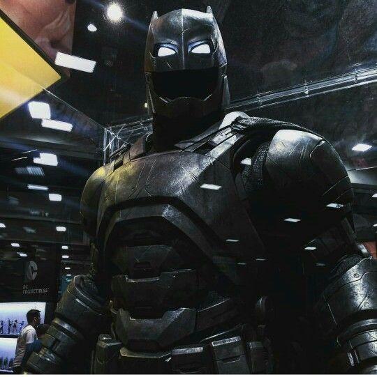 17 Best images about Batman Mech on Pinterest   Batmobile ...