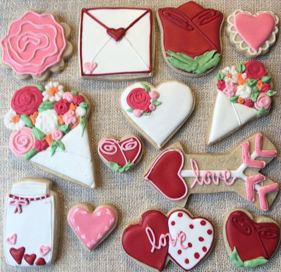Grab your best gal pal and join me for a fun morning of cookie decorating! This class will teach you the basics of cookie decorating. We will cover topics such as dough prep, making royal icing, icing consistencies and coloring, piping and flooding techniques. I will take you step by