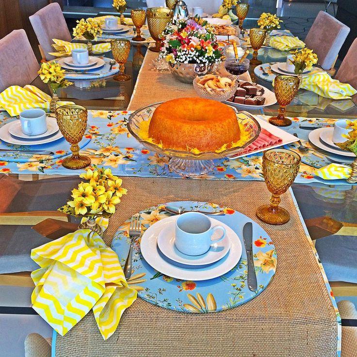 """Porque todos nós merecemos de vez em """"sempre"""" uma mesa assim,,✨. Café by Mesa Posta! Ps: pessoal do WhatsApp! Atenderei todos a partir de segunda ok?"""