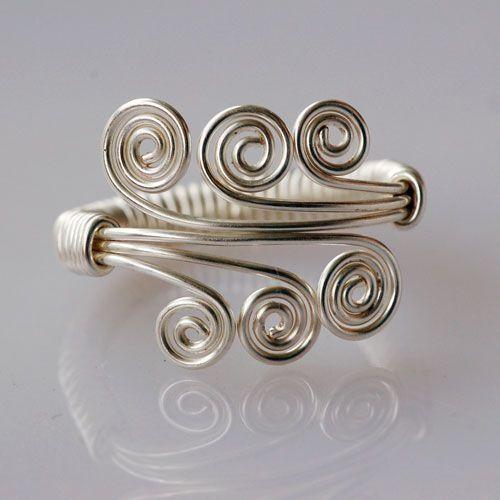 25 + › Wie man einen erstaunlichen Draht gewickelt Ring machen – DIY Schmuck Wire Wrap Tutorials.