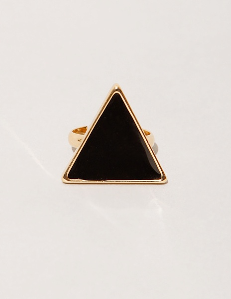 Gold & Black Triangle Ring: Black Triangles, Gold Black, Fashion Clothing, Triangles Rings, Black Rings, Gold Band, Marketing Fashion, Ladies Accessories, Geometric Jewelry