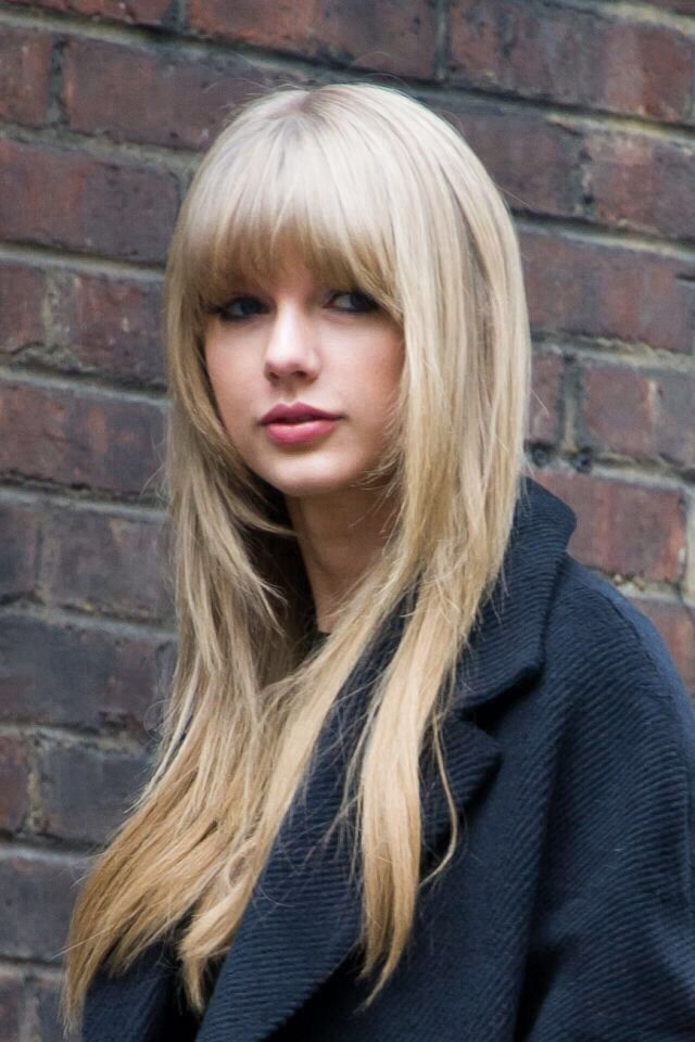 Taylor Swift's Best Beauty Looks