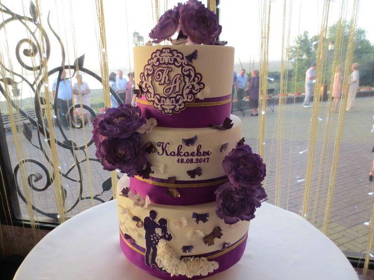 Свадебные торты на заказ в Ставрополе.