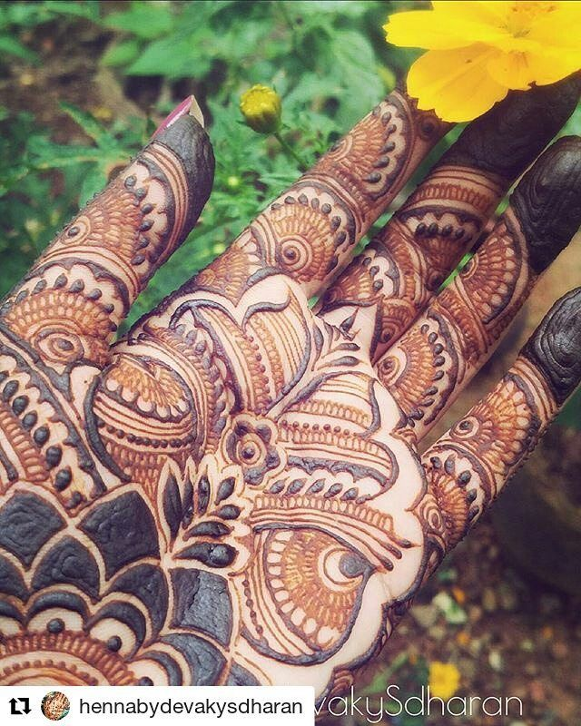 #follow us @hennafamily #hennafamily  #Repost @hennabydevakysdharan  I've never had heavy bridal on my hands. Not even for my #wedding.( Because I live in a #henna desert  where nobody else does henna and I really didn't want crappy henna on my hand.) This is the first time I was doing a full palm #bridal. Well whenever I do my own henna on my hands palm side up I royally mess everything below my wrist. I can't find a good angle to draw below that place. My #body doesn't #twist that way…