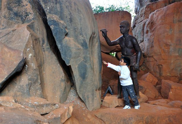 Bhopal, the capital of Madhya Pradesh, situated around two artificial lakes is famous for the UNESCO World heritage site named Bhimbetka, the rock shelters which is believed to be the early evidence of Stone Age rock paintings.