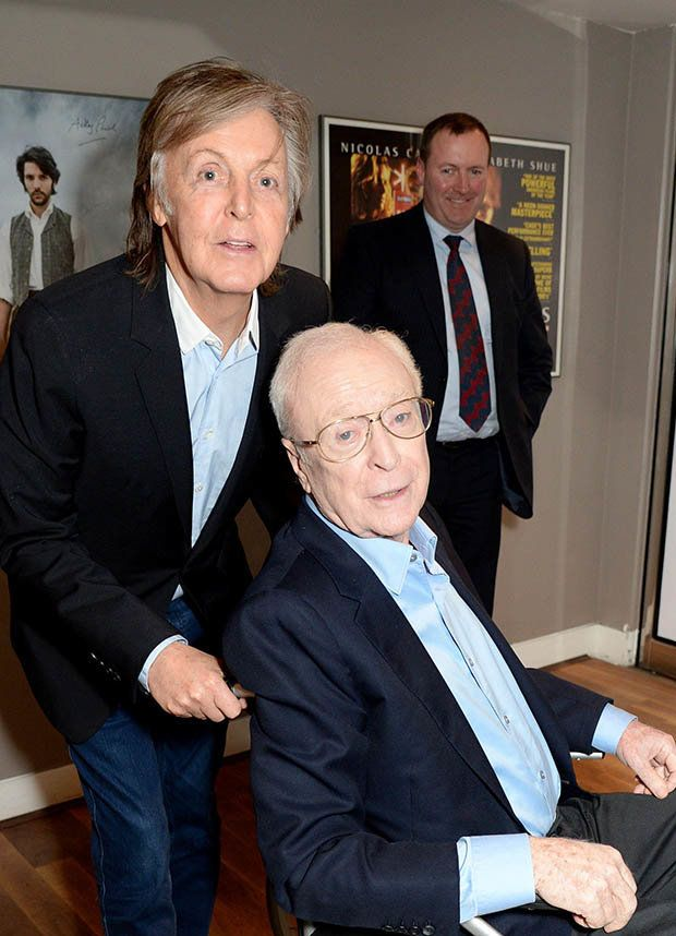 MICHAEL CAINE HANGS OUT WITH PAUL TO MARK 85th BIRTHDAY ... http://beatlesmagazineuk.com/michael-caine-hangs-out-with-paul-to-mark-85th-birthday/ #PAULMCCARTNEY #MICHAELCAINE #RT