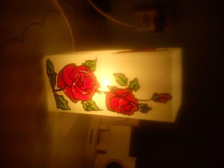 Romantyczna lampka witrażowa