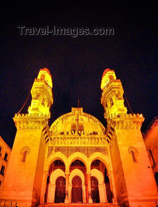 Kasbah of Algiers - UNESCO World Heritage Site | Mosquée Ketchaoua - Djamaa Ketchaoua, qui signifie en langue turque 'plateau des chèvres' - nuit - Casbah d'Alger - Patrimoine mondial de l'UNESCO - photo by M.Torres - (c) Travel-Images.com - Stock Photography agency - Image Bank