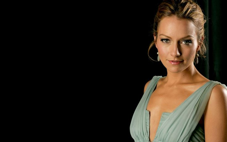 becki newton Wallpaper HD Wallpaper