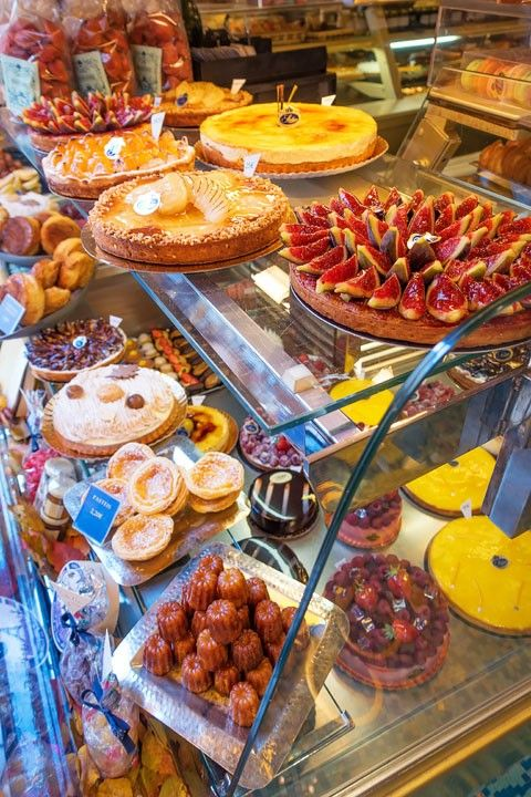 Where to Eat in Paris, France -- Where to find the BEST food in Paris -- the best restaurants, cafes, and bakery suggestions for every meal of the day!