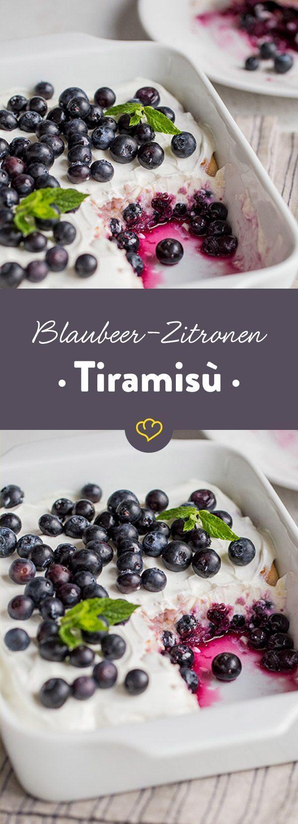 Tiramisu geht eigentlich immer, oder? Vor allem in dieser extrafrischen Sommer-Variante mit süßen Blaubeeren und cremigem Joghurt. Probier es gleich aus!