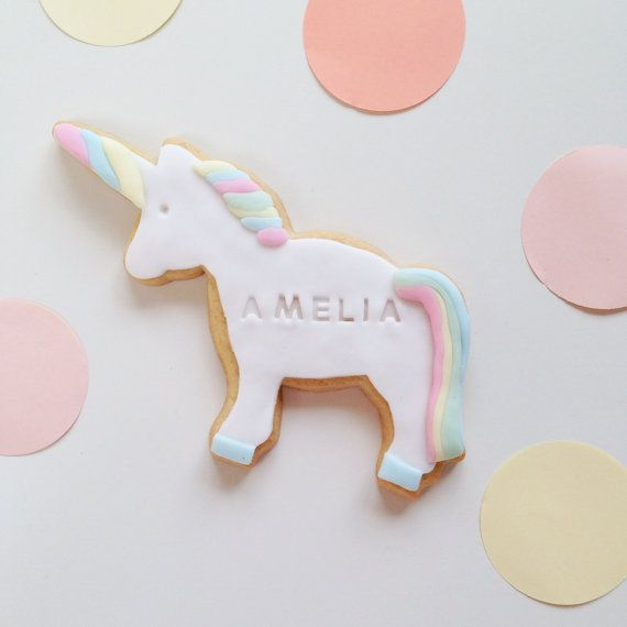 Unicorn gift, for a Unicorn party. Unicorn biscuit in pastel colours, personalised with a name. Includes free shipping to a UK mainland address. via Nila Holden on Etsy